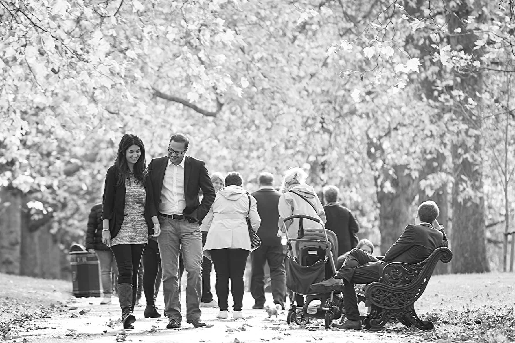 London engagement shoot in Green Park
