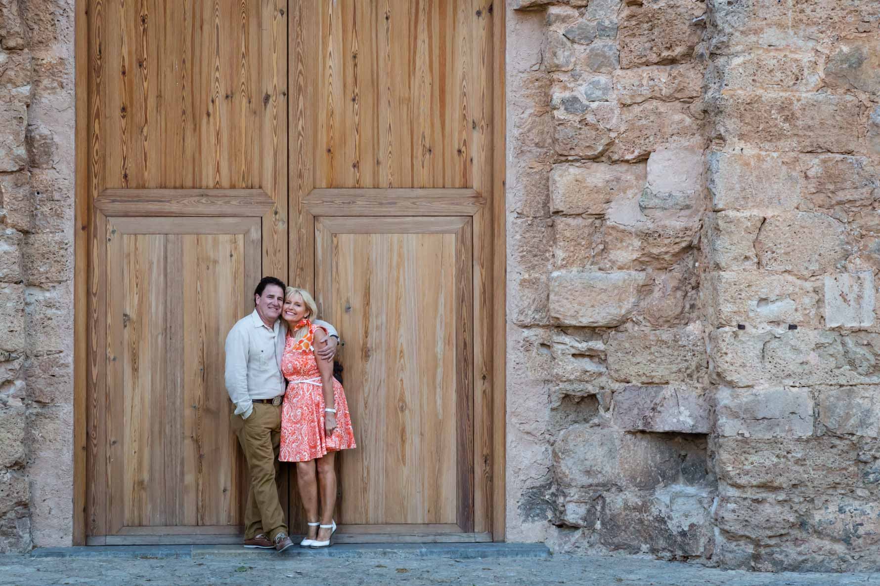 Engagement photoshoot in front of La Cartuja, Valldemossa 2