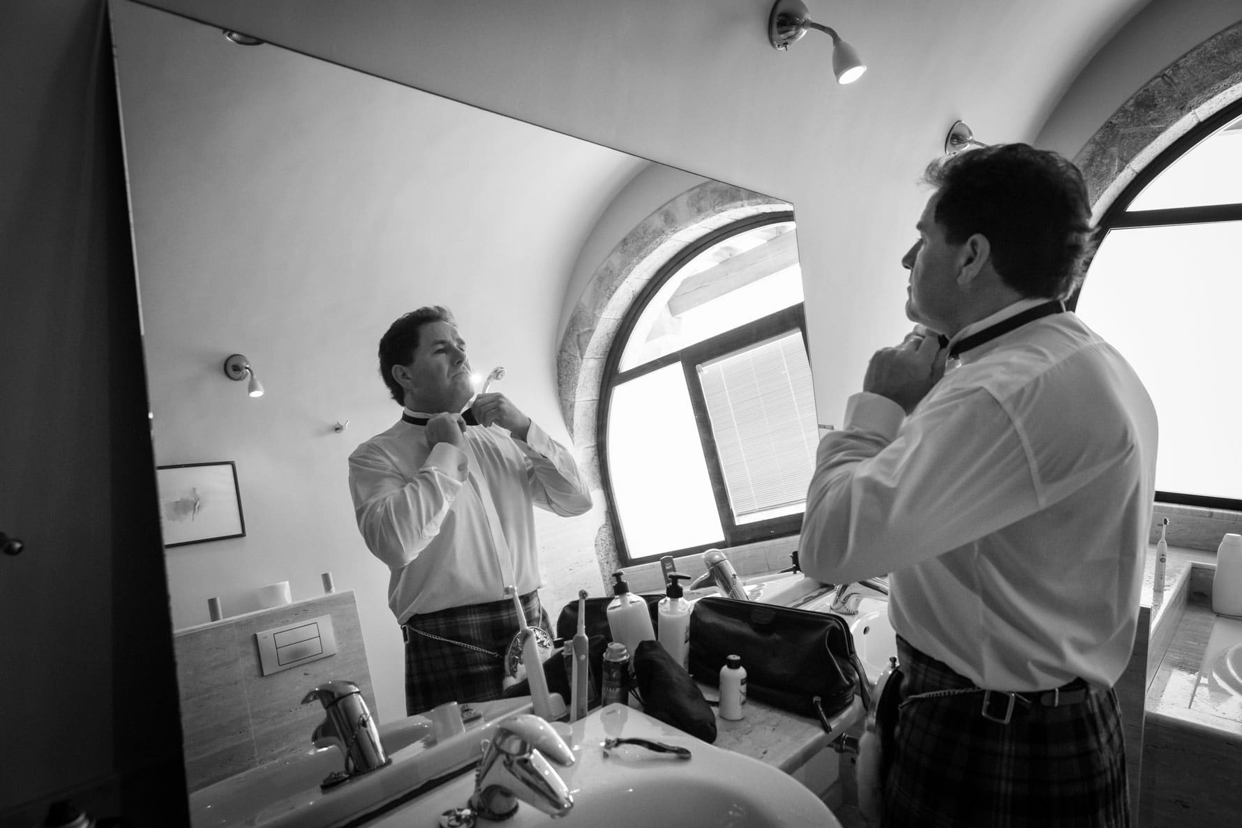 Final touches for his wedding in Valldemossa