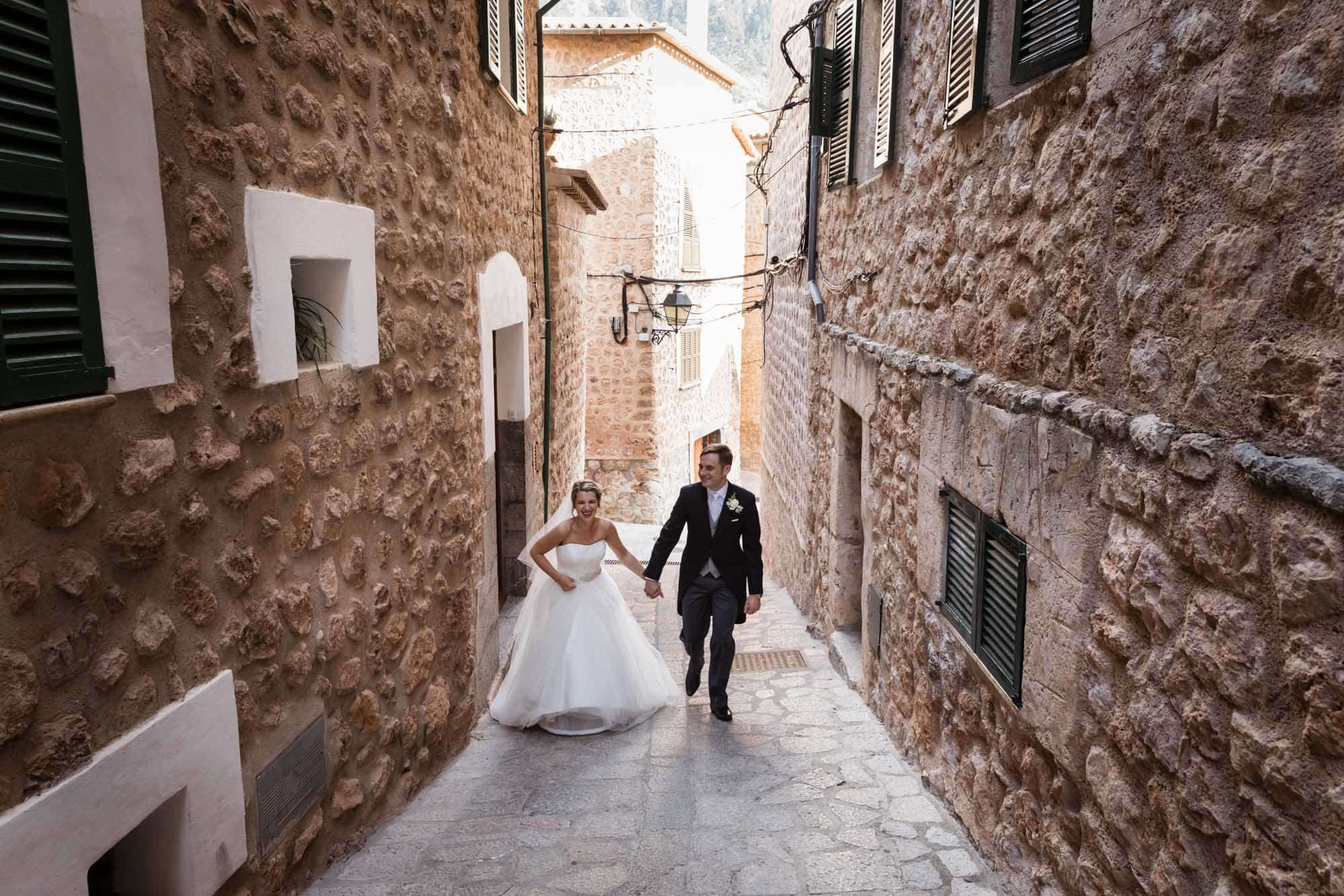 Mallorca wedding at Can Vedera in Fornalutx by Mallorca wedding photographer Graham Warrellow