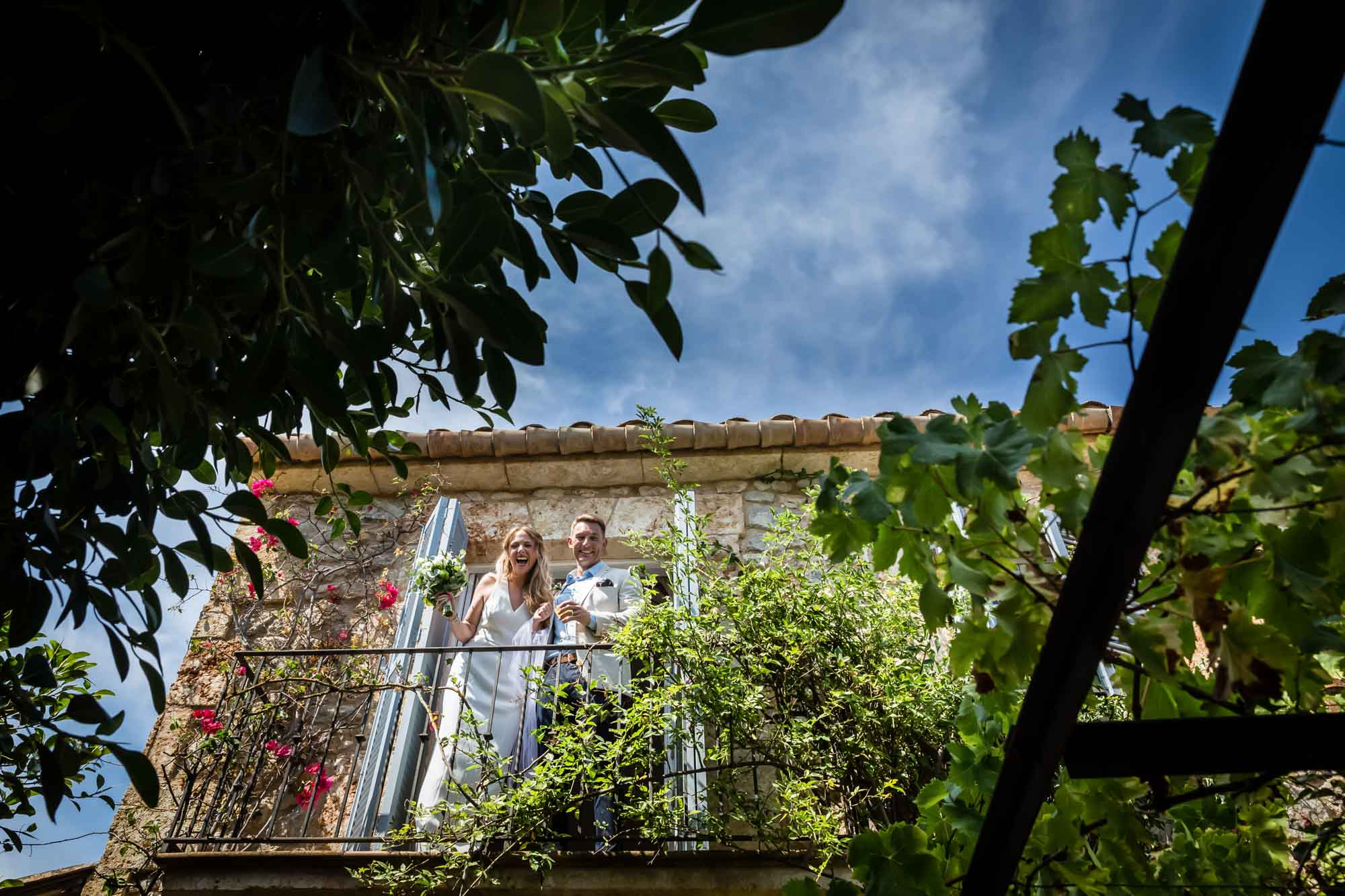 Cathy and Ben appear on the balcony of the Mallorca finca