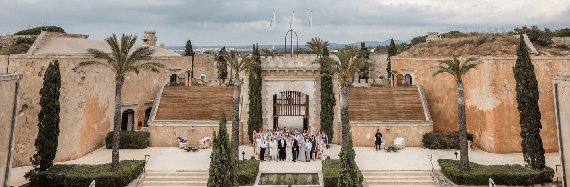 All the guests photographed at a beautiful Cap Rocat wedding in Mallorca