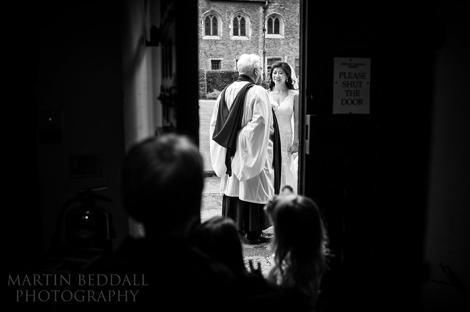 Bride arrives at the college chapel