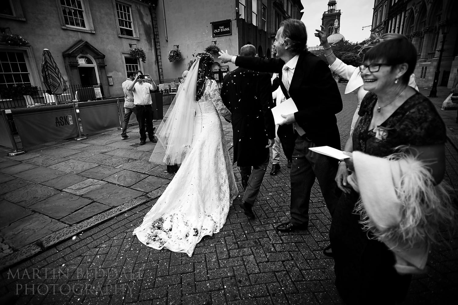 Bride and groom head off from Northampton Guildhall wedding
