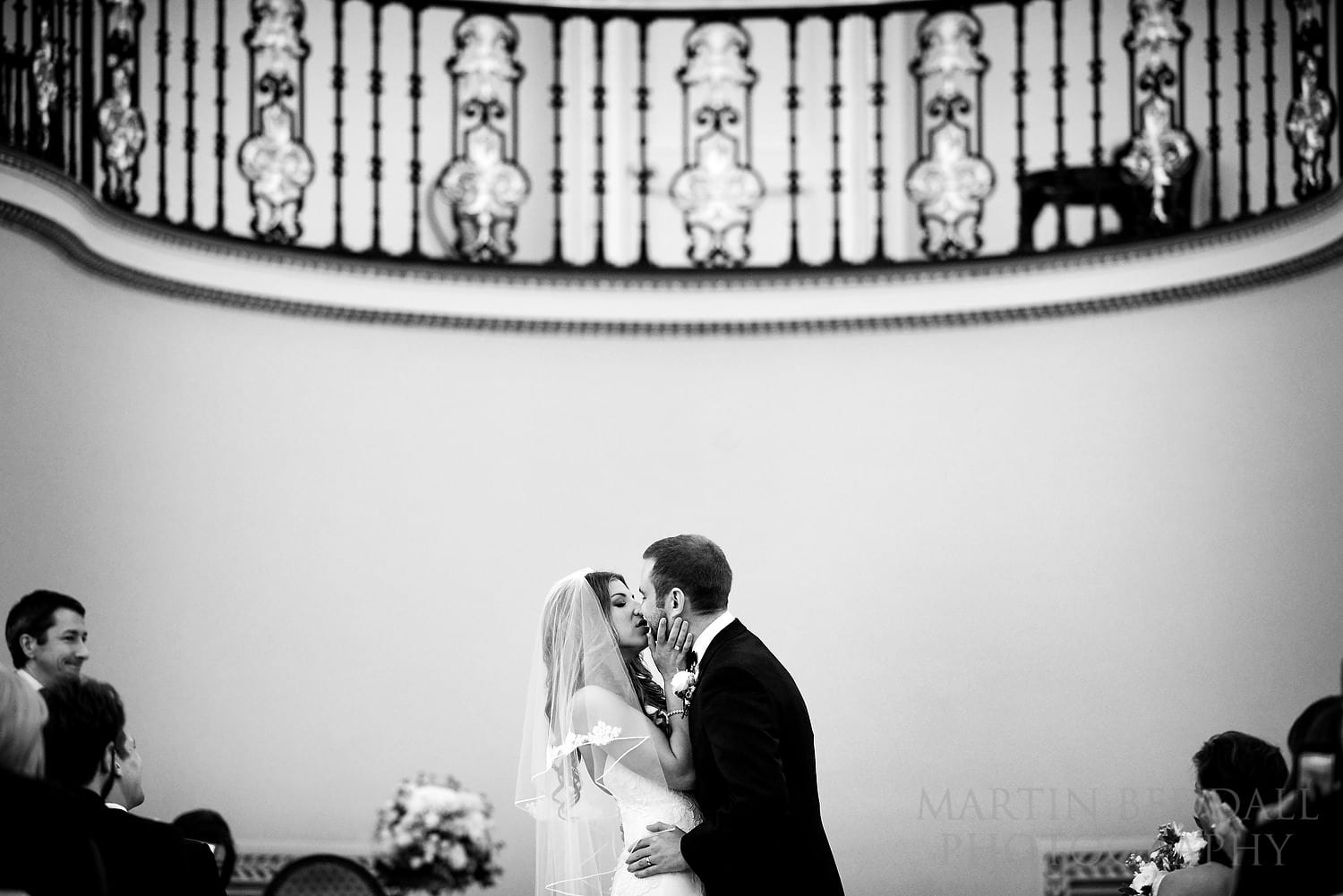 Lansdowne Club wedding kiss