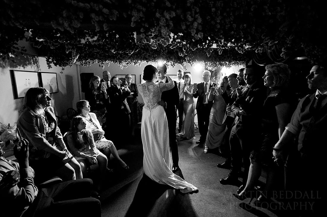 Firts dance in village pub with Zeiss Batis 18mm lens